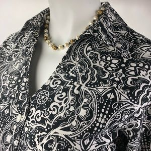 Coldwater Creek Blank and White Blouse 8
